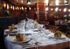 bounty luxe dinnercruise